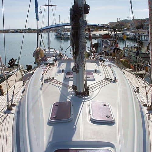 Yacht Charter Bavaria 36 deck
