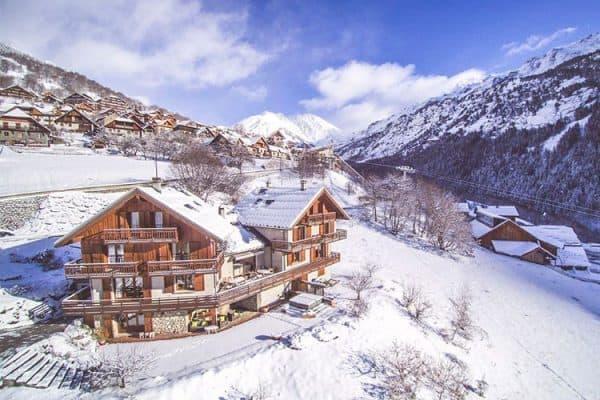 skiing vaujany chalet saskia