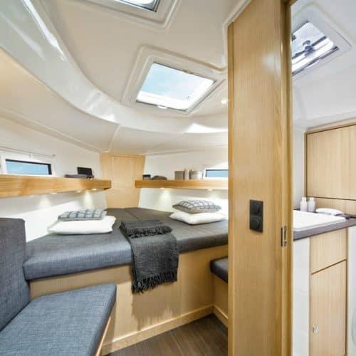 Bavaria 40 Cabin Space