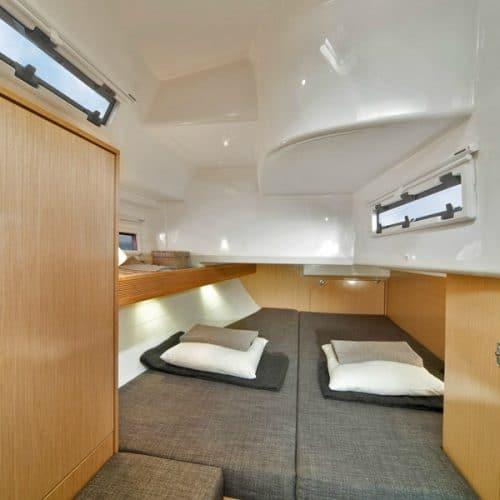 Bavaria 40 cabin rear