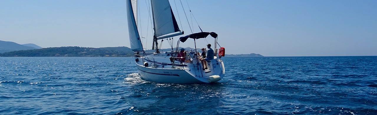 Bavaria 32 Yacht Sailing