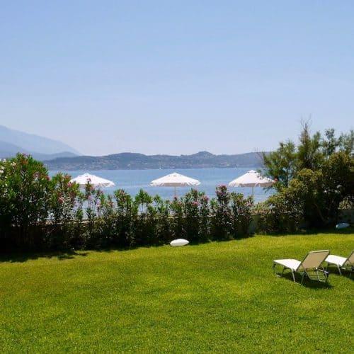 Kostas Beach House Garden