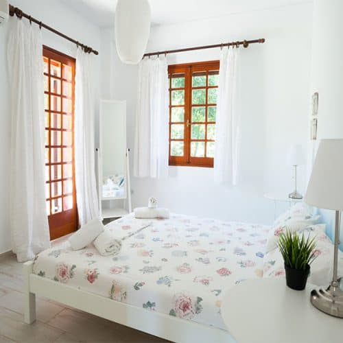 Lower apartment bedroom