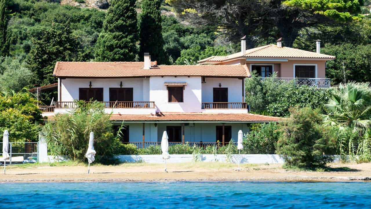 Water sports and villas in Greece