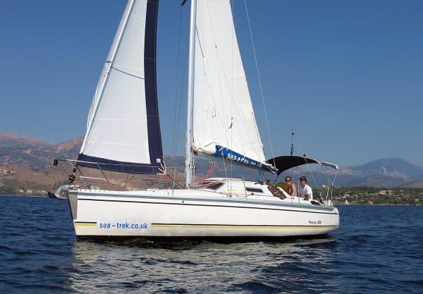 Feeling 306 sailing along