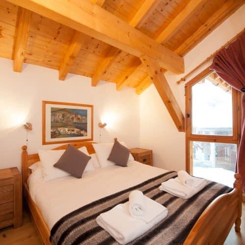 C'est La Vie Chalet bedroom 2