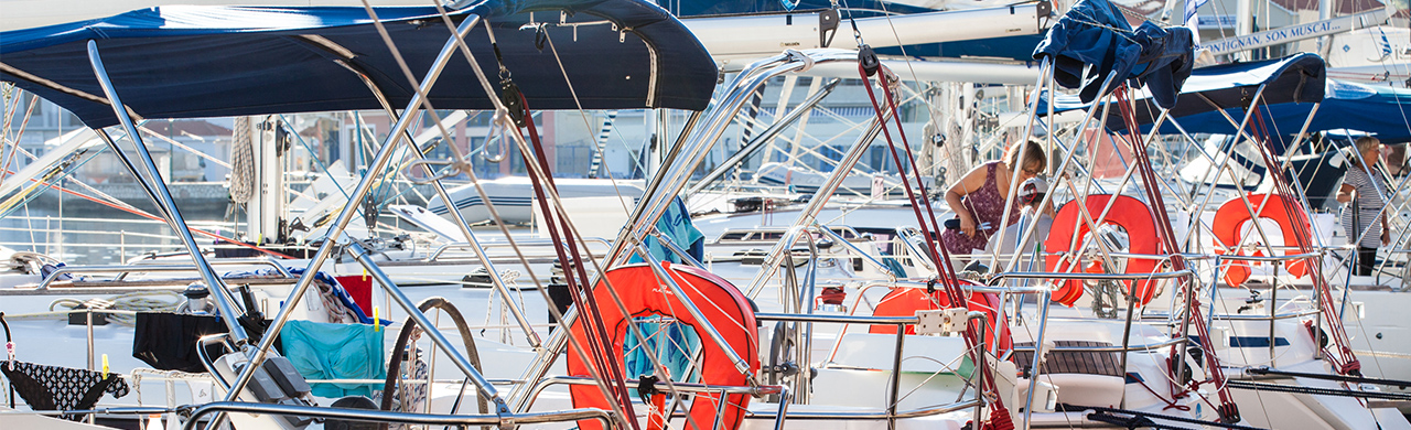 Learn To Sail Yachts in Harbour