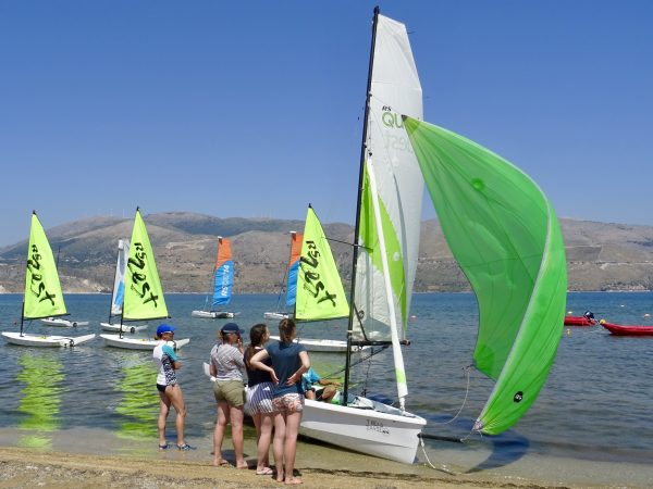 Dinghy Sailing spinnaker clinic