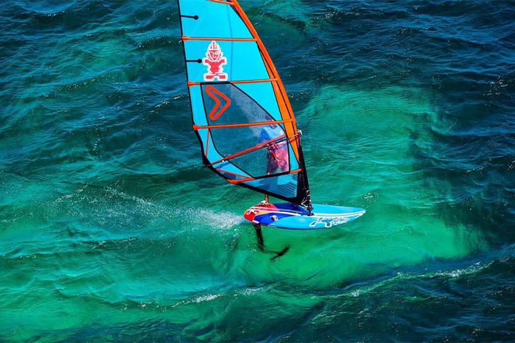 Foil Windsurfing